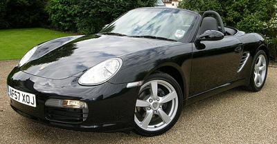 schwarzer Porsche Boxster S Cabrio